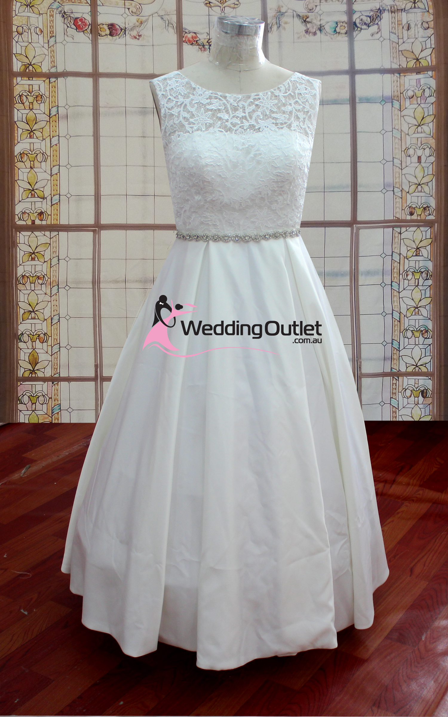 Aubree Beach Simple Lace Wedding Dress