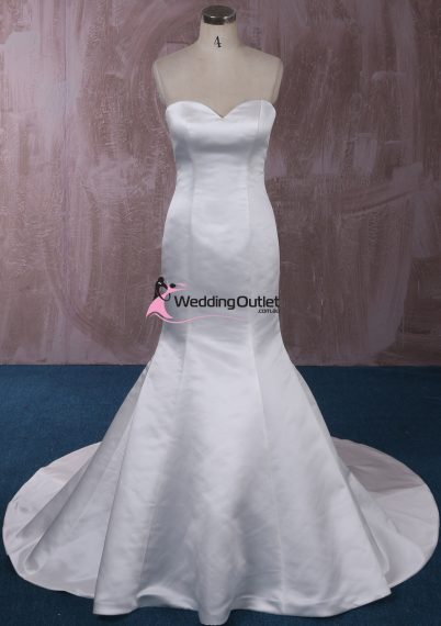 London Simple Mermaid Wedding Gown