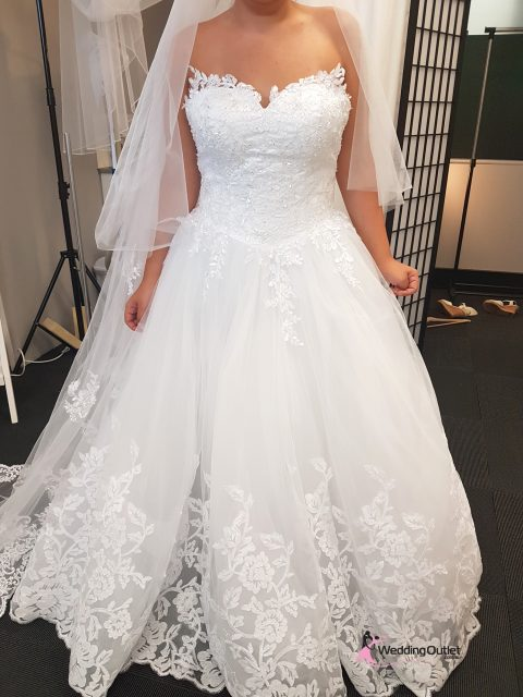 Ajaccio Strapless Lace Wedding Dress Plus Size