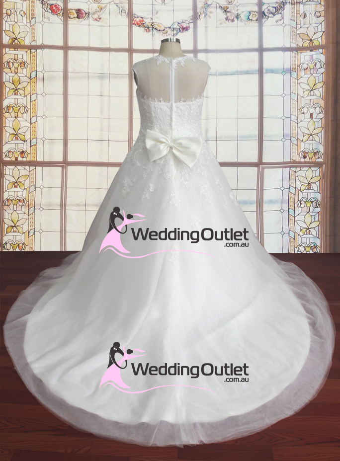 Keely boat neckline lace tulle wedding dress for Cheap wedding dress outlets