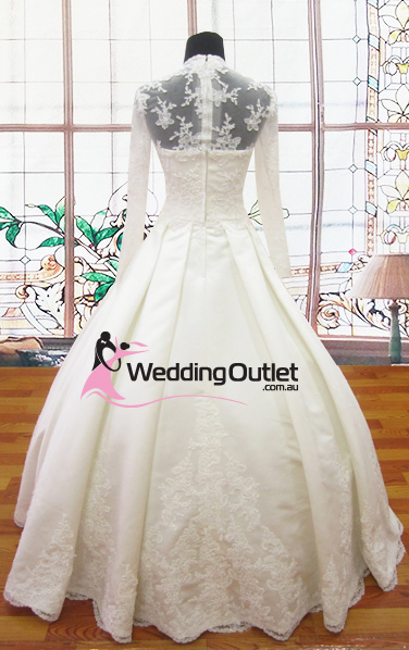 Cassie lace long sleeved wedding dress