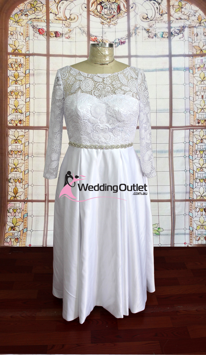 Lily Lace Long Sleeve Wedding Dress