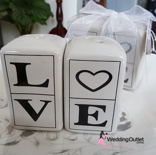 LOVE Salt and Pepper Shakers Wedding Favours