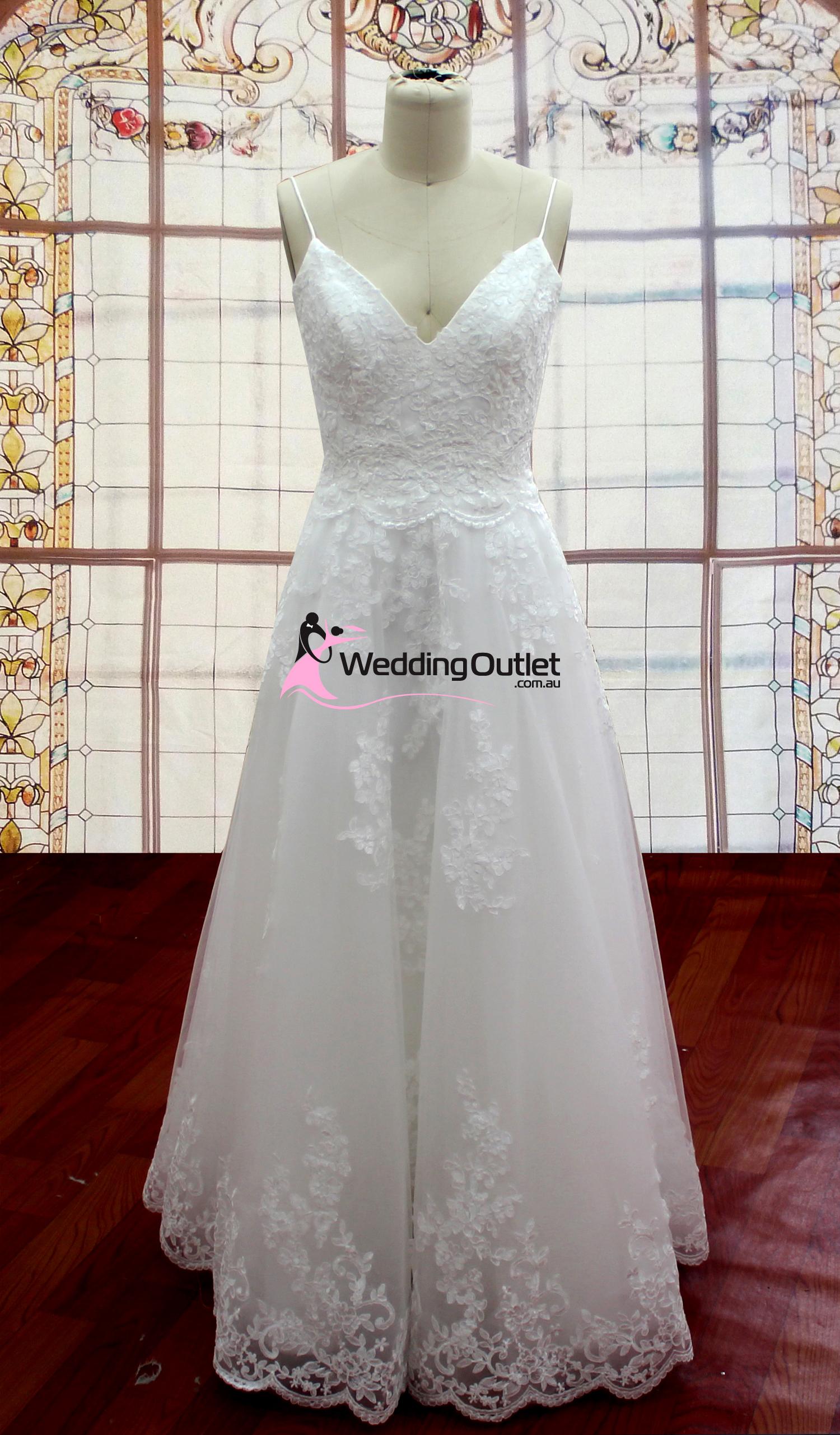 Zoey Simple Beach Lace Wedding Gown Weddingoutlet Com Au