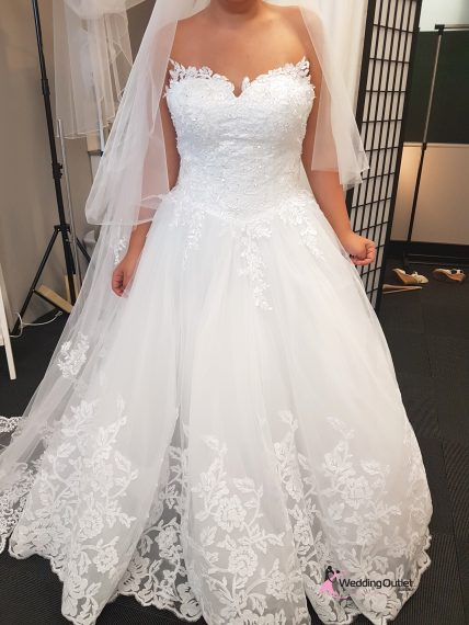 Ajaccio Strapless Lace Wedding Dress Plus Size