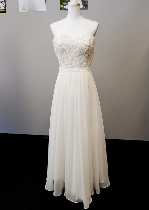 Beach Chiffon Strapless Wedding Dress