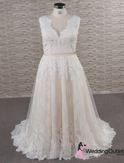 Amalfi Vintage Boho Wedding Dress no cap sleeves