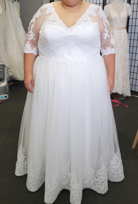 Jamila Plus Size Sleeve Wedding Dress