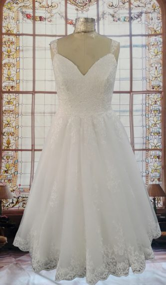 Zoey Simple Beach Lace Wedding Gown with Lace Sleeves