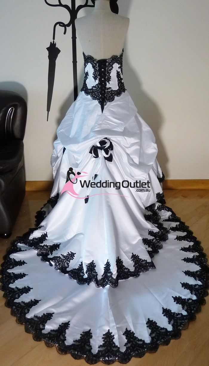 Scarlett Black And White Wedding Dress Weddingoutlet Com Au