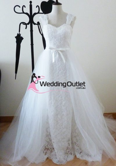 Isabella lace wedding dress