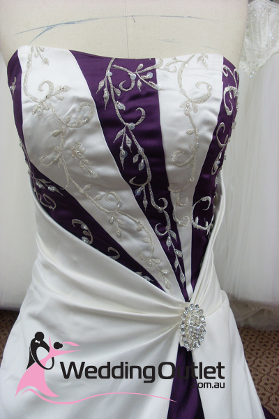 Emily Purple And White Wedding Dress Weddingoutlet Com Au